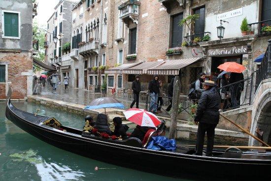 Hotel Casa Boccassini: Gondole sous la pluie ! ...