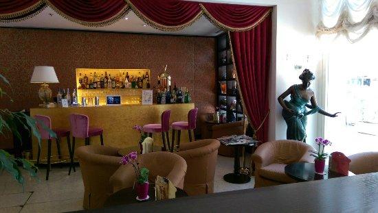 Hotel a La Commedia: IMAG0275_large.jpg