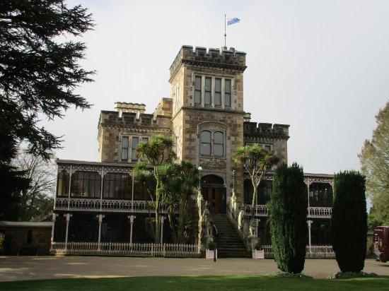 Larnach Castle & Gardens: The facade