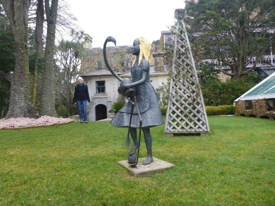 Larnach Castle & Gardens: Rear garden