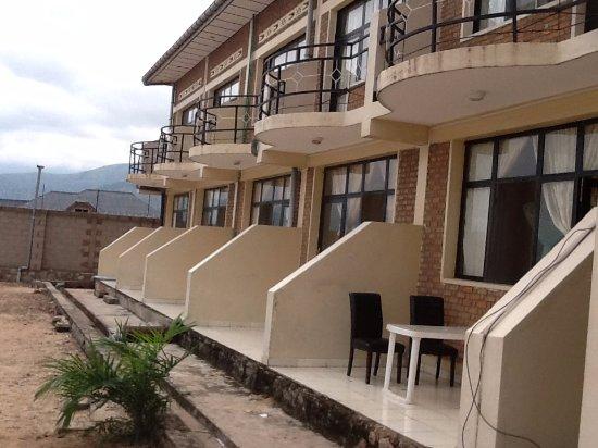 Uvira, Демократическая Республика Конго: facade arriere, coté lac