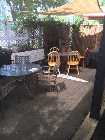 Murphys, كاليفورنيا: Cute and quaint patio