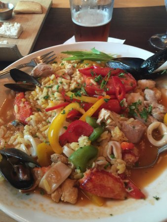 Blue Water Grille : Awesome paella!