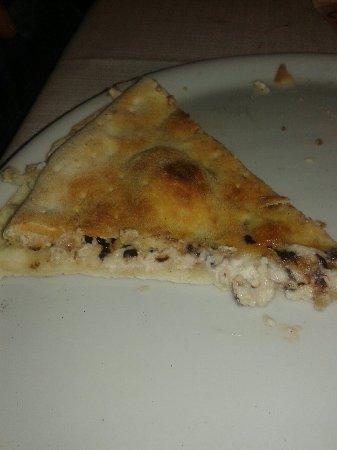 Ottimo i pizzoli ma con lunghe attese!!!!  Servizio inesistente....