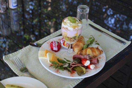 Waterbuck Game Lodge: Breakfast