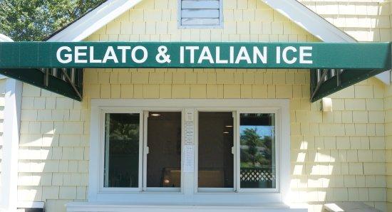 Harwich Port, MA : Gelato & Italian Ice Counter