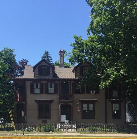 Skolfield-Whittier House