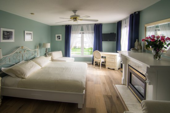 In Elegance Bed and Breakfast: Regal King Room
