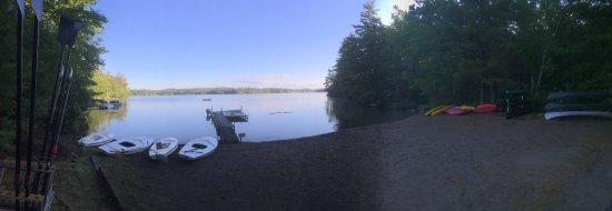 Washington, เมน: Walk to the on property lake, Beautiful!