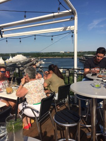 Montreal, Canada: Amazing view and crazy good mojito's