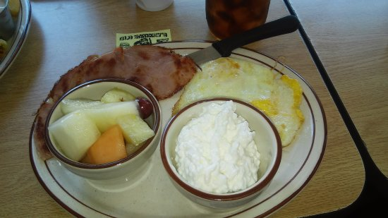 Old Smokeyu0027s Restaurant: Ham U0026 Eggs With Cottage Cheese U0026 Fruit Substitution