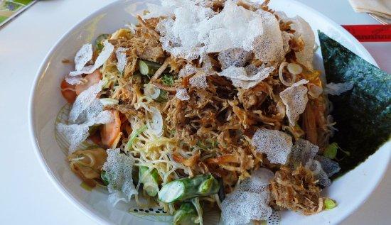 Restaurant Goldmarie: Asiatischer Glasnudelsalat mit Pulled Pork 12,50 €