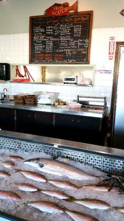 Captain Jim's Seafood Market Restaurant: Fish market