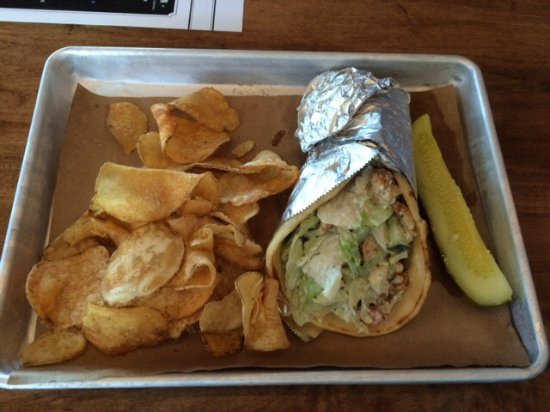 Murfreesboro, TN: Chicken Gyro with pickle and chips