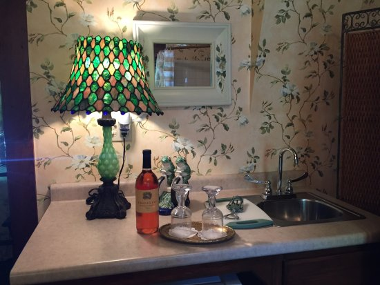 Cliff Cottage Inn Luxury B Amp B Suites Amp Historic Cottages