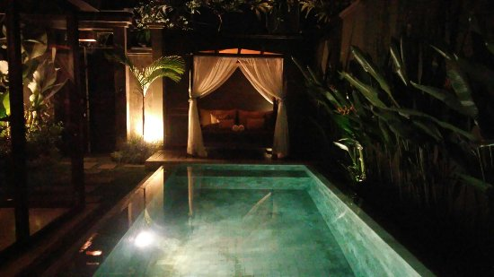 Seminyak Icon: Villa with private pool. Amazing place to stay.