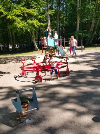 Hjo Stadspark: Playground in the park