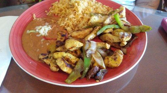 Nogales, AZ: Chicken Fajitas
