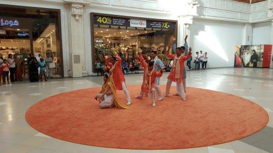 Dance Show in India Court - Picture of Ibn Battuta Mall