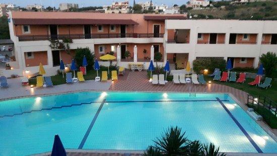 Pegasus Hotel: 20160623_210058_large.jpg