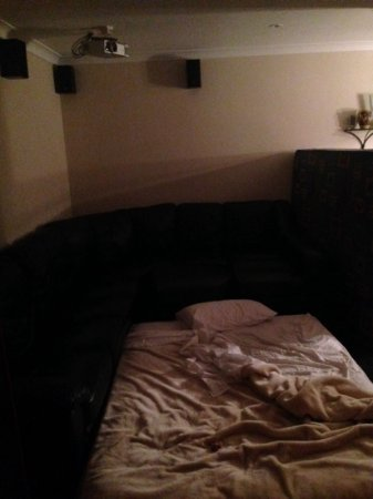 Joondalup, Australien: apparently i could watch movies in bed entertainment room