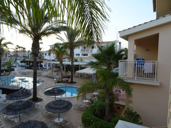 Tasia Maris Gardens Apartments Bild
