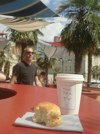 Tea & Ty: Les scones aussi sont excellent avec un bon thé