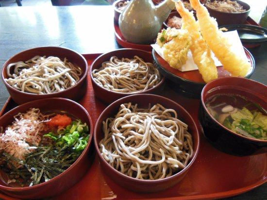 Yakumoan Bekkan: 天ぷらそばだよー