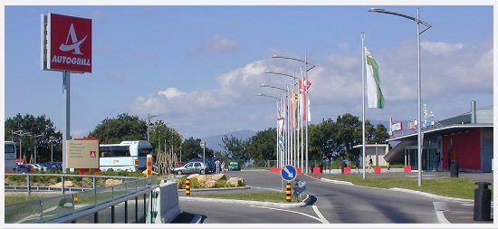 Canton of Vaud, Schweiz: Restoroute Bavois - vue direction Lausanne