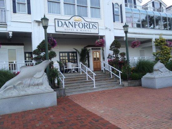 Danford S Hotel Marina Photo