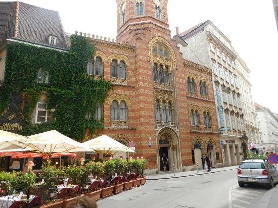 Imagini pentru griechenbeisl restaurant