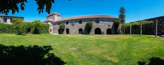 Jardines del pazo picture of bodegas del palacio de for Bodegas de jardin
