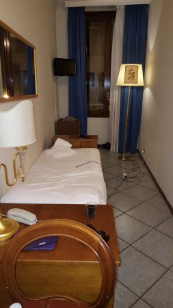Hotel Goldoni : Single room I moved from