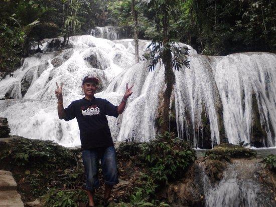 Minahasa Hotel Manado: Salopa waterfall