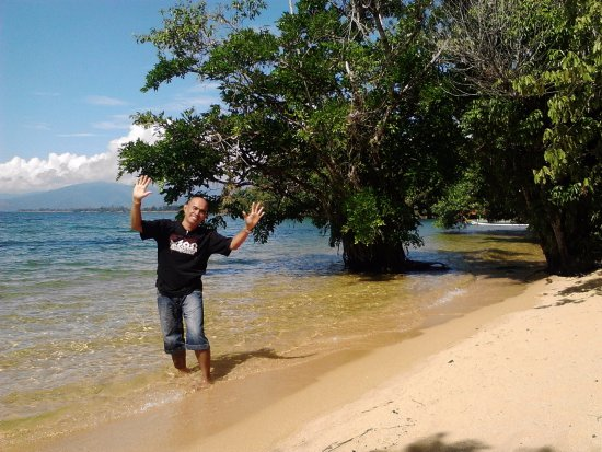 Minahasa Hotel Manado: Siuri beach