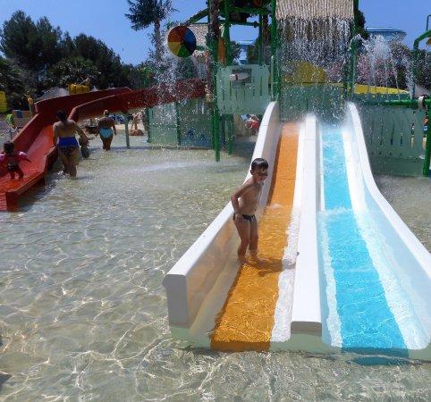 Aqualand Cyr Sur Mer