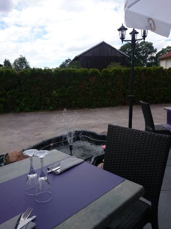 Blamont, Frankreich: Terrasse bien agréable