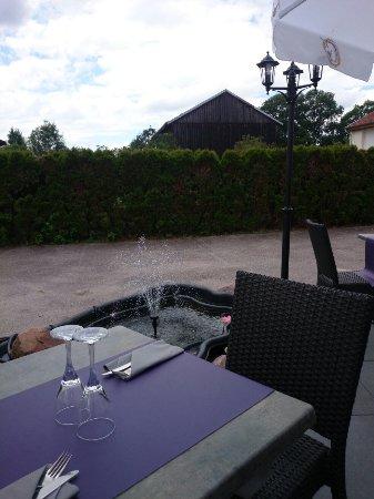 Blamont, فرنسا: Terrasse bien agréable