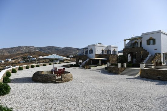 Tinos View Luxury Apartments: Hotel & Grounds