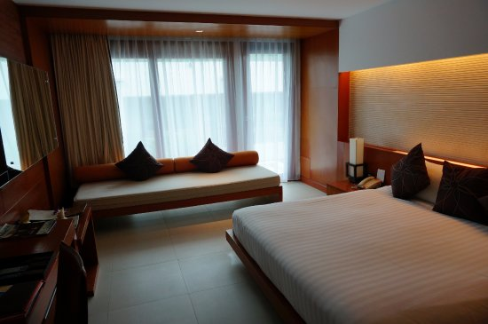 La Flora Resort Patong: デラックス プールビュー