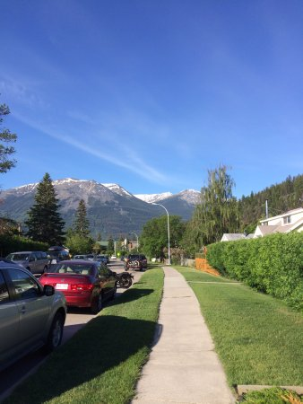 Amanda's Guest House : View from the street