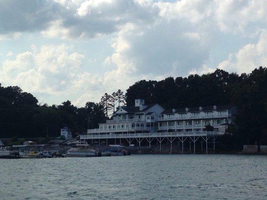 Mountain Harbor Inn Resort On the Lake: photo0.jpg