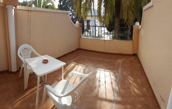 Apartamentos Casanova: Terraza preciosa del apartamento