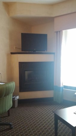 High Point, NC: Nice fireplace