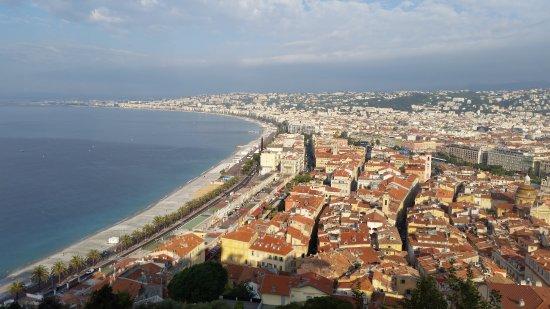 Hotel Le Havre Bleu: Vieux Nice from Parc de Chateau