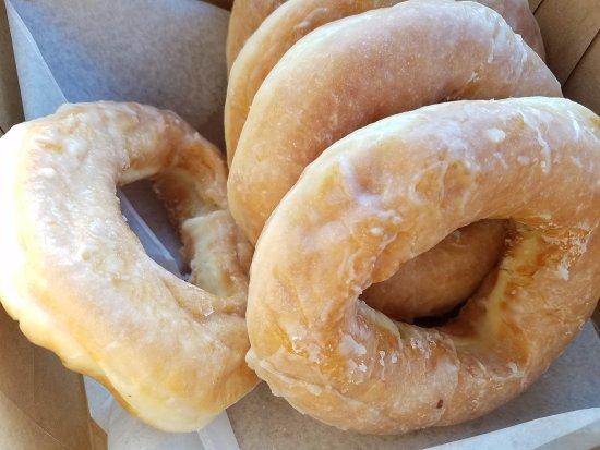 Hillsville, VA: Fresh half dozen donuts