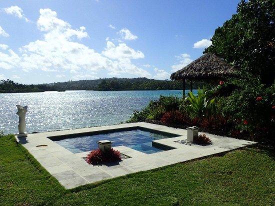 Eratap Beach Resort: Villa 12 - plunge pool and outdoor bungalow