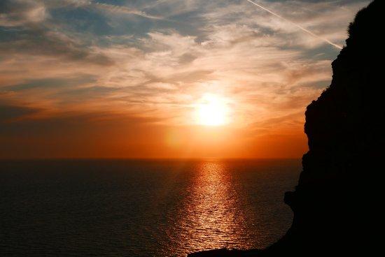 Marizan Caves & Villas: 在房間特大露台拍的日落