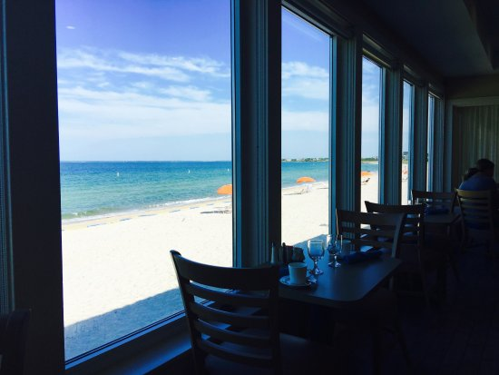 Sea Crest Beach Hotel: Breakfast room