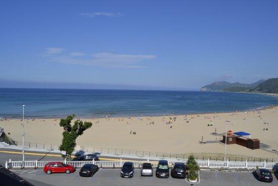 Hotel Arillo: Vistas dede habitacion. Playa Trengandin